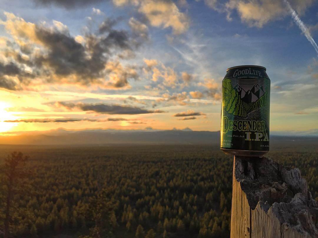 Happy Mother's Day to all the beautiful #mommas out there! 🍻 to you! 🍺 🍺 🍺  #goodlifebrewing #bend #oregon #descenderipa #oregonbeer #craftbeer #cannedbeer #beertography #adventurousales #thebestofbend #drinklocal #sunset #pnw #pnwonderland #oregonexplored