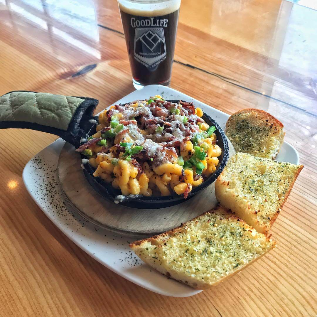With this cold weather, what's better than comfort food?! Today's special in the #pub is the Iron Skillet Special: Bacon and Jalapeño Mac & Cheese served with a side of Garlic Bread paired with a Pass Stout! And, it's Mug Club Monday so there's that!