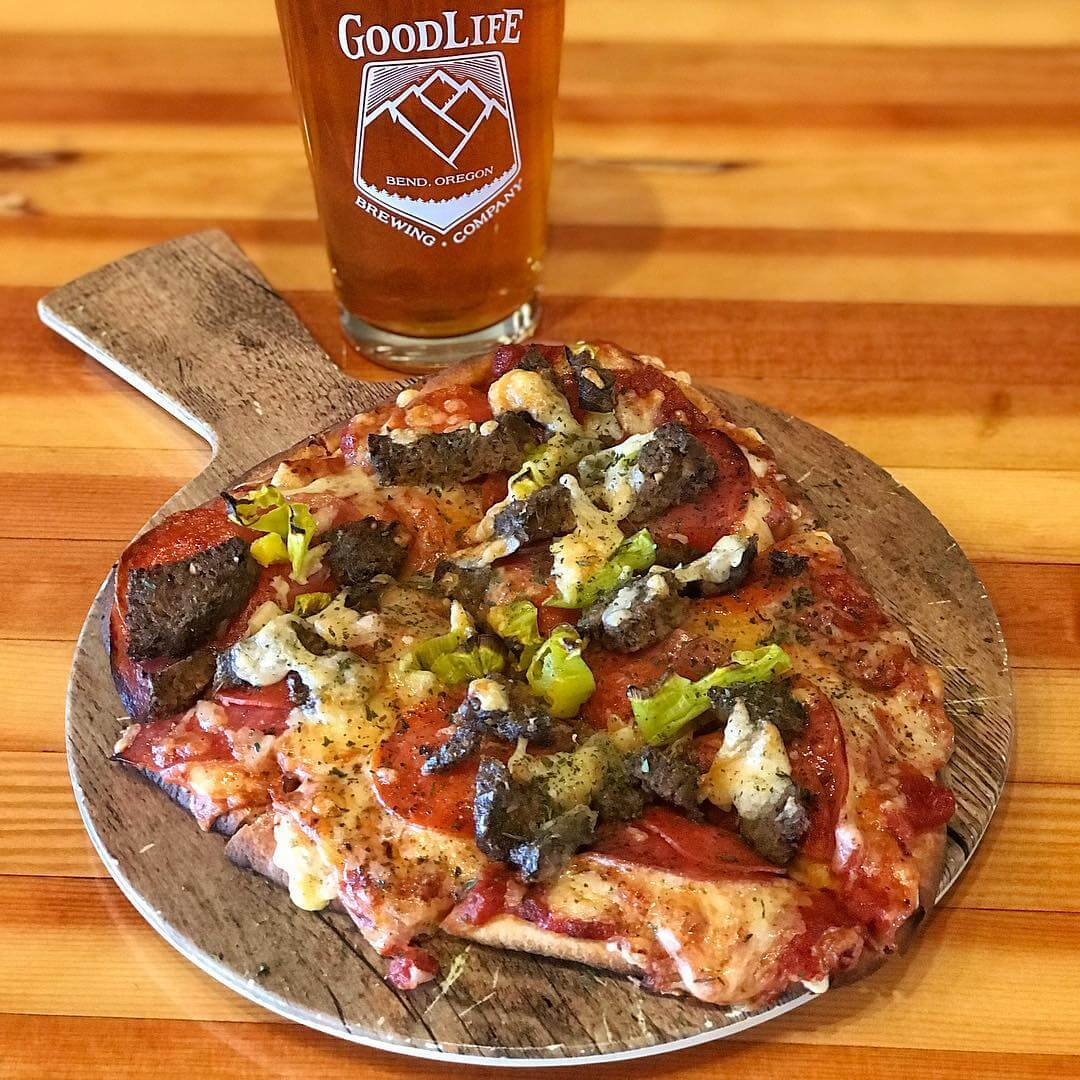 It's Locals Day so that means discounted beer and great food! Today's lunch special is an Italian Flatbread with salami, pepperoni, meatballs, pepperoncini, white cheddar and Parmesan cheese! Pair that with a Simcoe Road Dry Hopped Double IPA and you're going to be living good. We're open at noon, so come join us for lunch or happy hour!