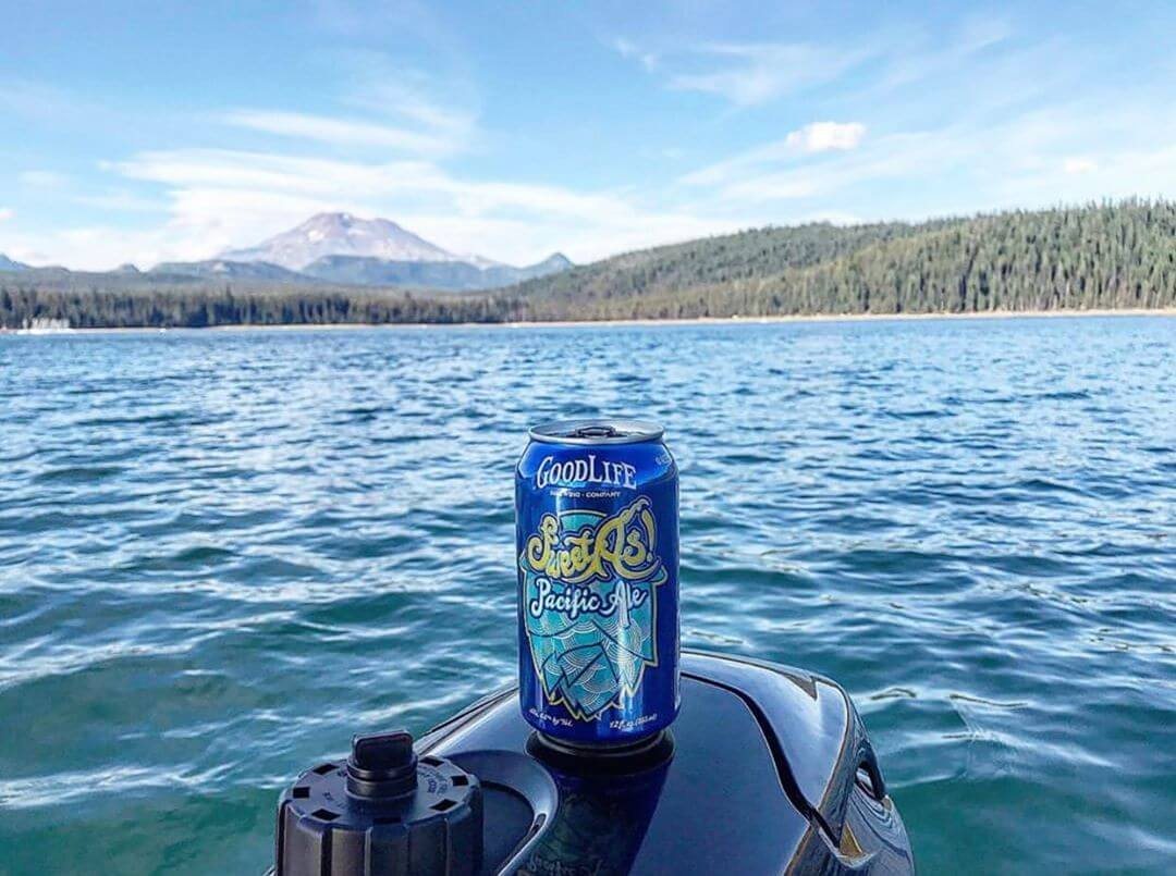 @domphippsio showing us how he is soaking up the last bit of what has been a sweet as summer! Hope you had a great weekend! #goodlifebrewing #sweetaspacificale