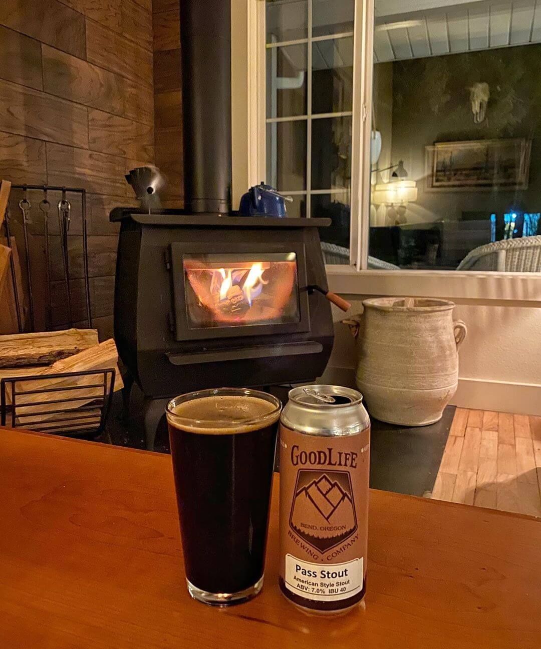 After a fun week of family and friends, we're glad we grabbed a crowler from the pub so we can enjoy a Pass Stout on the couch with the fire cranking! Swing by the pub to get your crowlers of our seasonal and experimental beers so you can enjoy them wherever you want! #whatsyourgoodlife